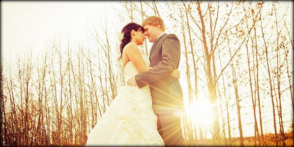 stunning Autumn wedding ideas couple