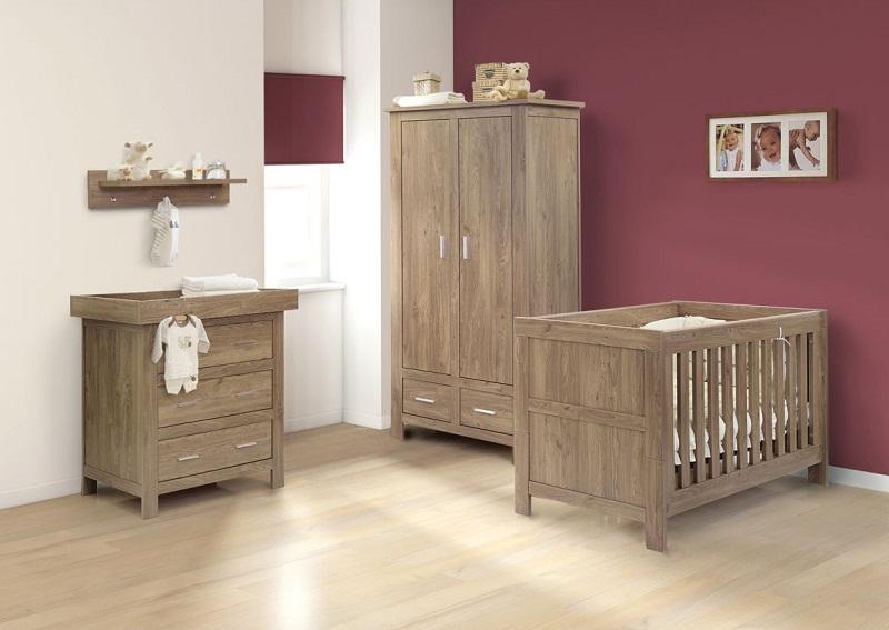 Oak Wood Furniture Set For Nursery Room